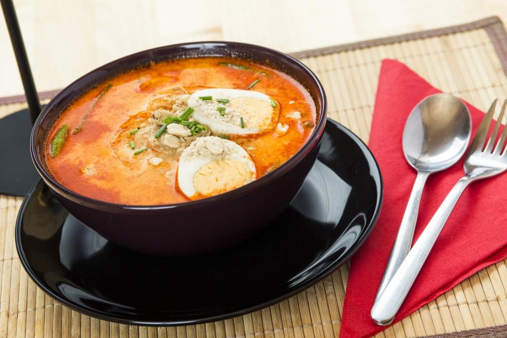 Mogyorós vörös curry leves (Csirkével)
