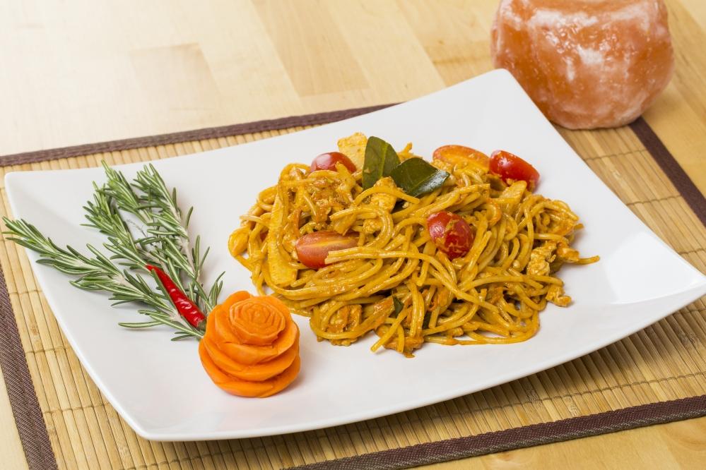 Spagetti citromfalevéllel (Csirkével)