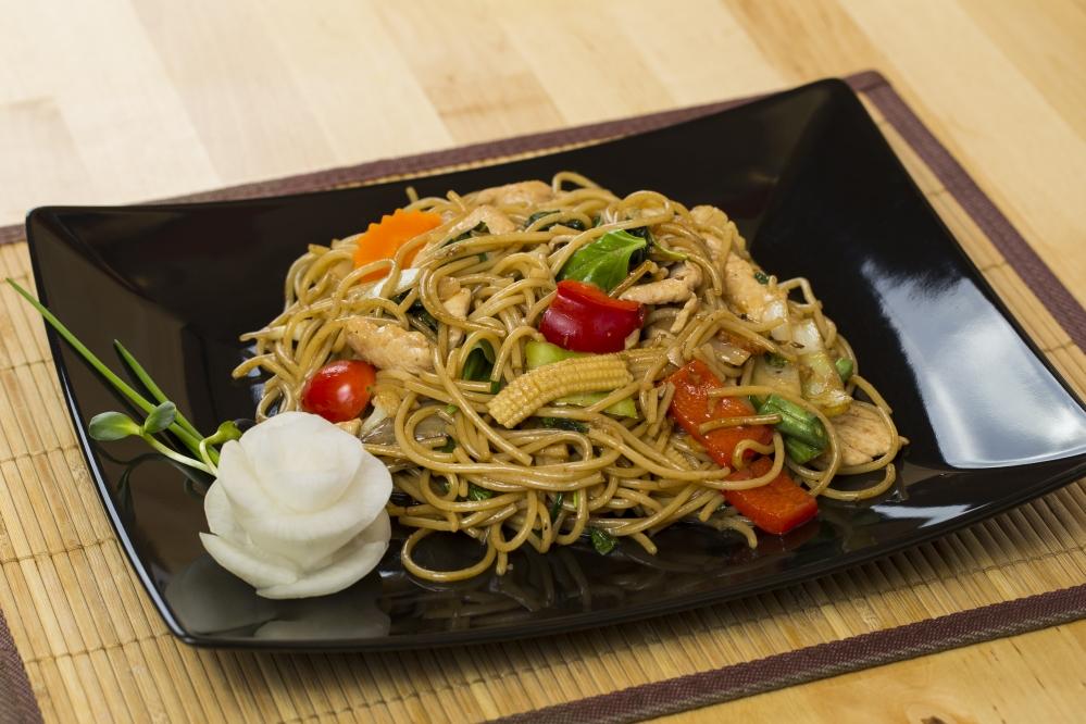Spagetti zöldséggel bazsalikommal
