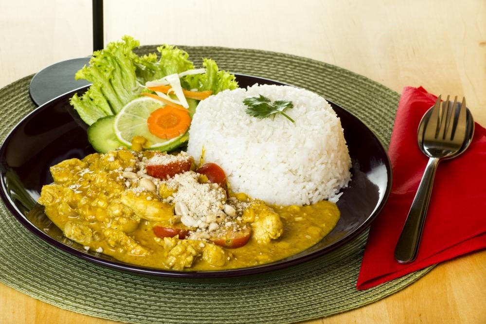 Szezámmagos csirke curryvel